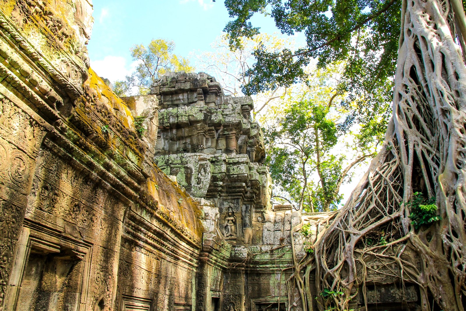 old ruins and temples of the Angkor Archaeological Park