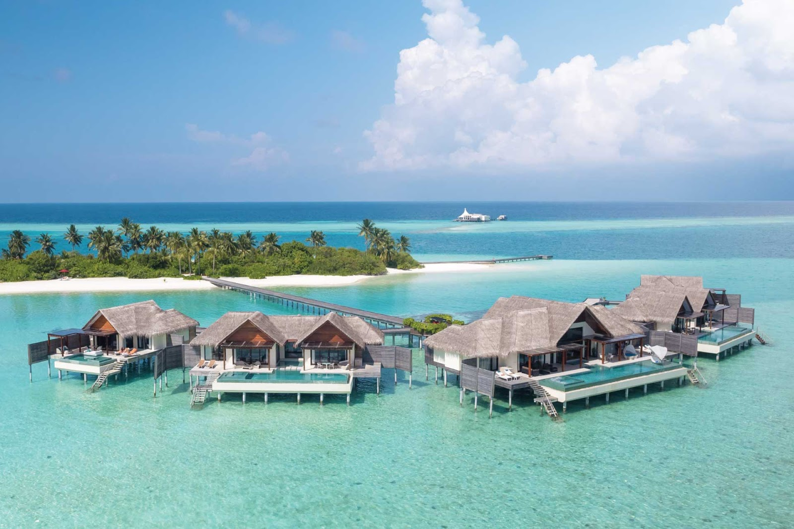 4 resort bungalows in the Maldives